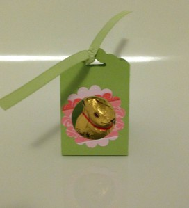 Decorated Easter treat with the scallop tag topper punch